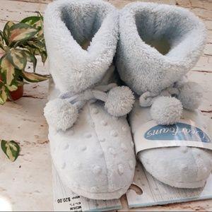 NWT Blue Slippers sz 6.5-7.5